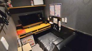 ビデオ館24のリクライニングベッドルーム